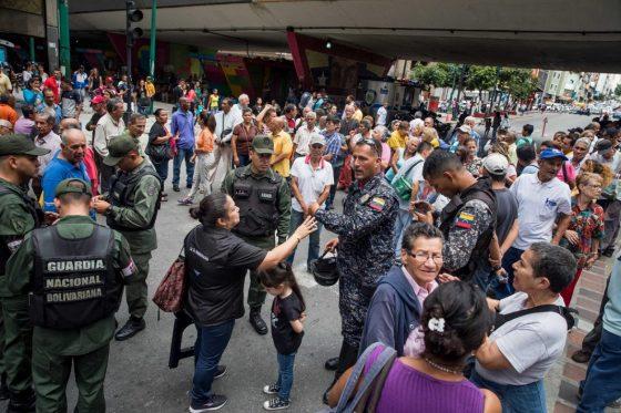 Pensionados y jubilados del IVSS protestan